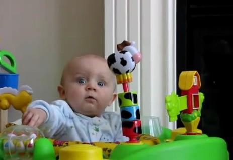 bebek gülüyor video