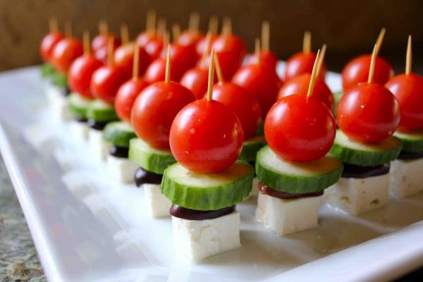 Salatalık domates kanepe