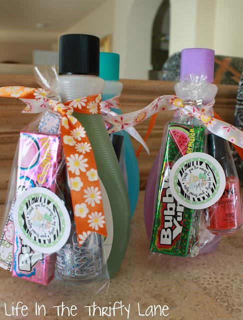 Doğum günü partisine gelenlere hediye