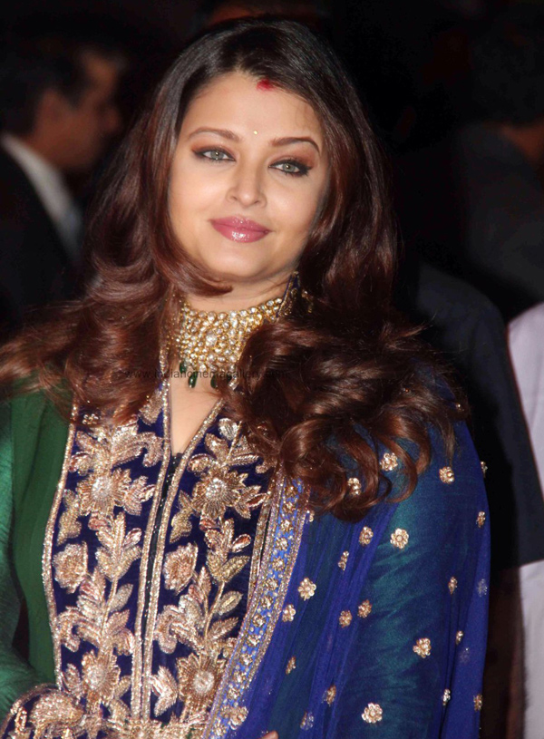 Aishwarya-Rai-with-jaya
