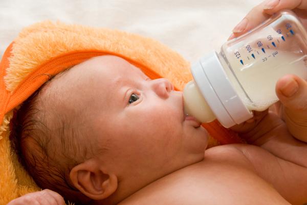 bebeklerde-kusma-sorunu