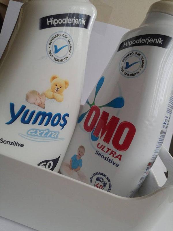 Benim sıvı deterjanı sevmeme neden olan omo ultra sensitive ile tertemiz çamaşırlar Yumoş ile mis gibi kokuyor ve yumuşacık oluyor.