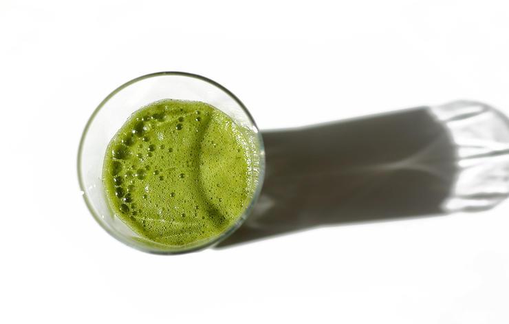 yeşil sebze suyu